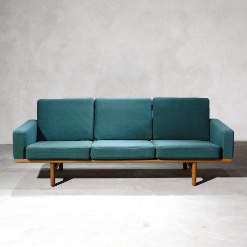Hans J Wegner Ge236 Sofa