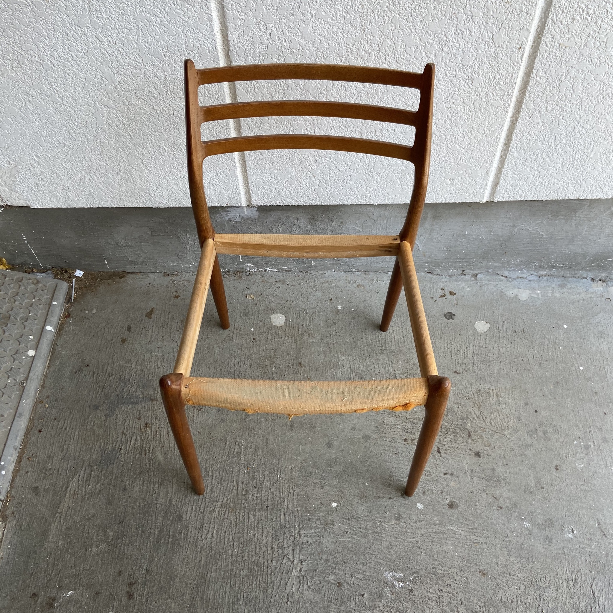 Niels Otto Moller(モラー) Model 78 Chair 剥離
